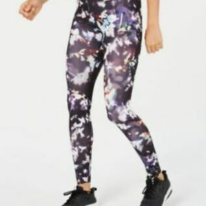 Nike Dry Fit Black/Gunsmoke Floral Legging NWOT